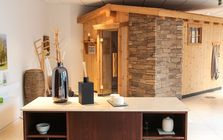 Sauna and spa showroom in Munich: Cottage sauna
