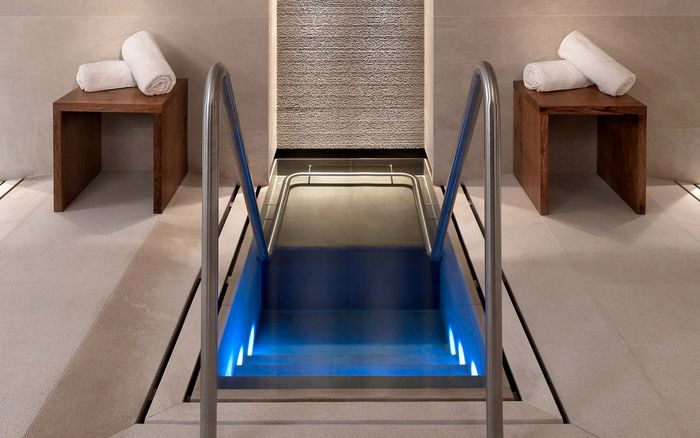 KLAFS references: Plunge pool at Aurelio, Lech am Arlberg, Austria