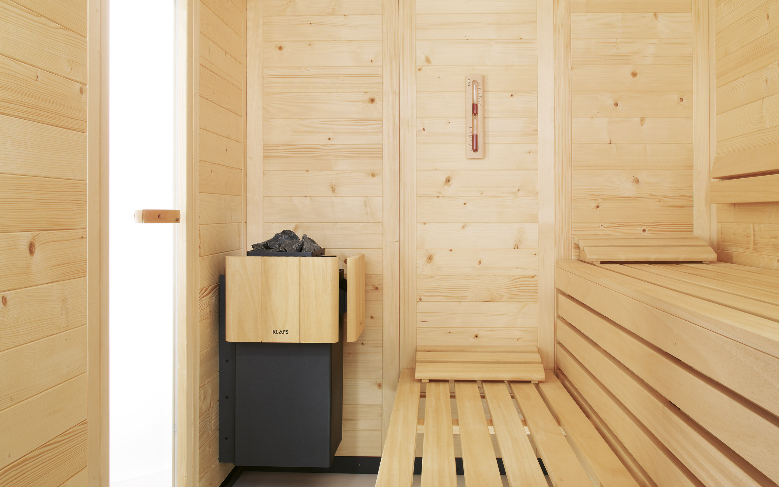 empire solid wood sauna quintessentially finnish. Black Bedroom Furniture Sets. Home Design Ideas